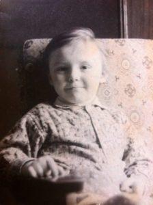 Счастливое детство. Мне 5 лет (как давно это было!).